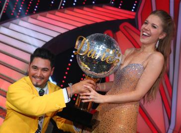Lets-Dance-2016-Gewinnerin-Victoria-Swarovski